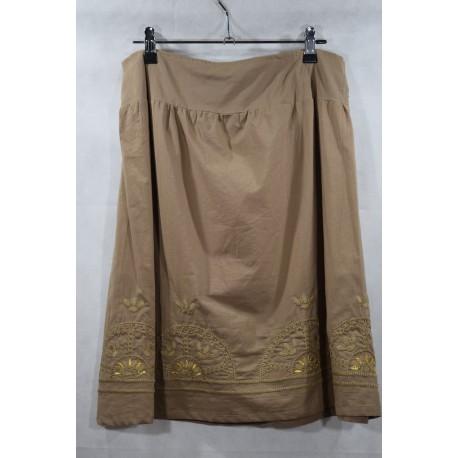 Falda bordado